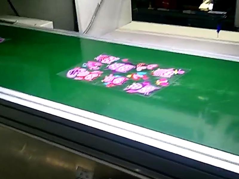水晶贴在线视觉点胶机视频