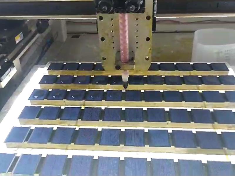 太阳能板视觉点胶机视频